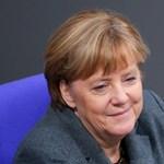 Merkel: veszélyesek az álhírek, észnél kell most már lenni