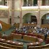 Rohamtempóban átnyomják a parlamenten a lakástakarékok állami támogatásának megszüntetését