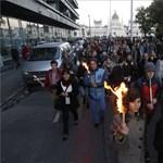 Ezrek voltak az 56-os fáklyás felvonuláson – fotó