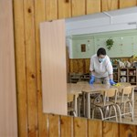 Előfordulhat, hogy egész nap nem ehetnek és ihatnak az óvodai dolgozók a tesztelés miatt