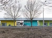 Vakolatlan nyaraló, minimalista családi ház és színes buszpályaudvar - mától szavazhat az év legjobb hazai épületeire