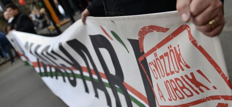 Roma jelöltet indít a Jobbik Pakson