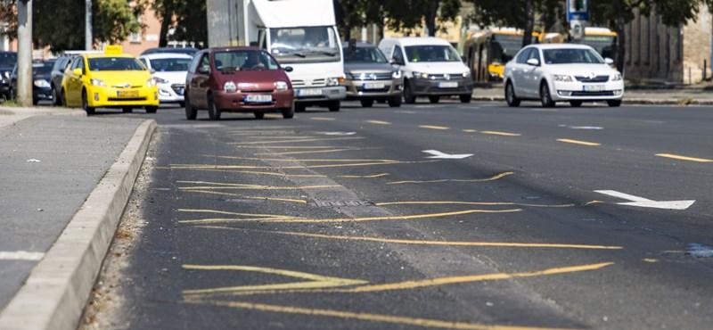 250 millióból kell rendbe hozni a metrópótló által kijárt sávokat a Váci úton