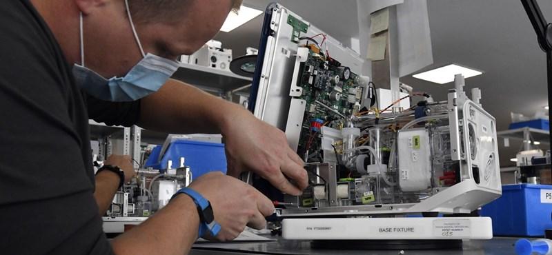 Szijjártó még ezer lélegeztetőgép beszerzését jelentette be