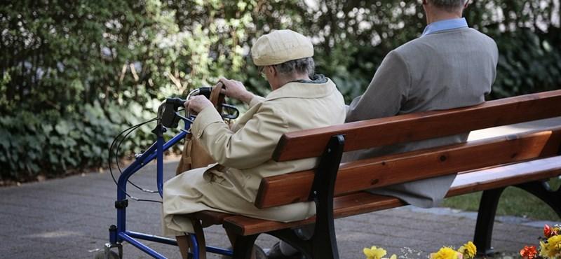 Irigykedve nézhetik az idősebbek, mennyi pénzt kap, aki most vonul nyugdíjba