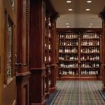 Elárverezik a világ legnagyobb whisky magángyűjteményét