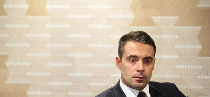 Vona: Nem döntött még a Jobbik, megszavazza-e a Stop Sorost