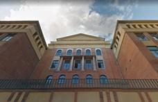 Épp most rendeltek el rovarirtást egy budapesti hatosztályos gimnáziumban, így nem indul hétfőn az oktatás