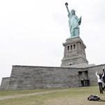 Óriási látvány vár ránk péntektől a Szabadság-szobor tetejéről