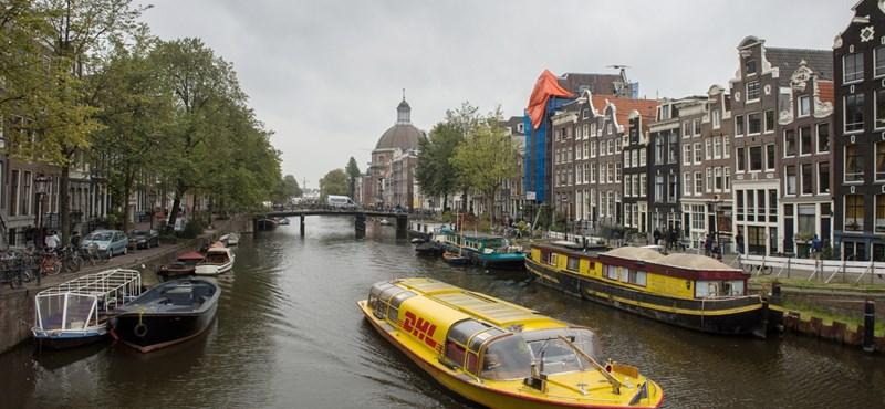Széthordják az amszterdamiak a régi épületek díszeit