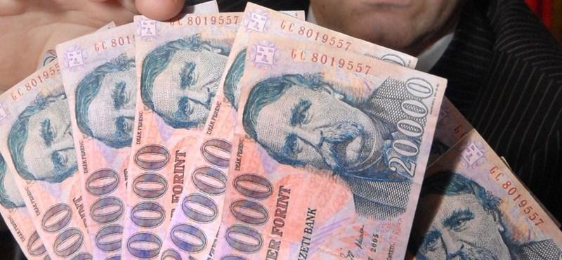 Május 1-től nem lehet csak úgy betenni a bankba tízmillió forintot