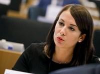 A momentumos Cseh Katalin az amerikai kongresszus elé viszi a magyar jogállamiság kérdéseit
