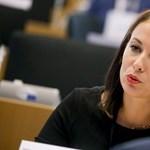 Önkéntes orvosnak jelentkezett a Momentum EP-képviselője