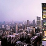 Kíváncsi, hogy él egy igazi milliárdos? Csak a luxusautók kitesznek hat emeletet